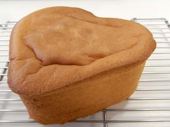 ハートのスポンジケーキ